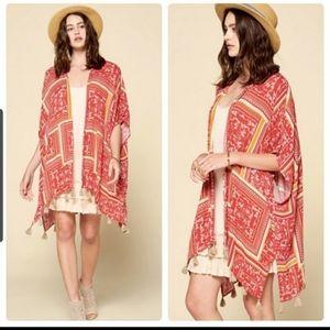 A gorgeous kimono 👘 trendy fall accessory